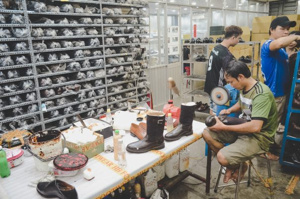 giày dép uy tín và chất lượng nhất - xưởng sỉ giày dép Hùng Phát
