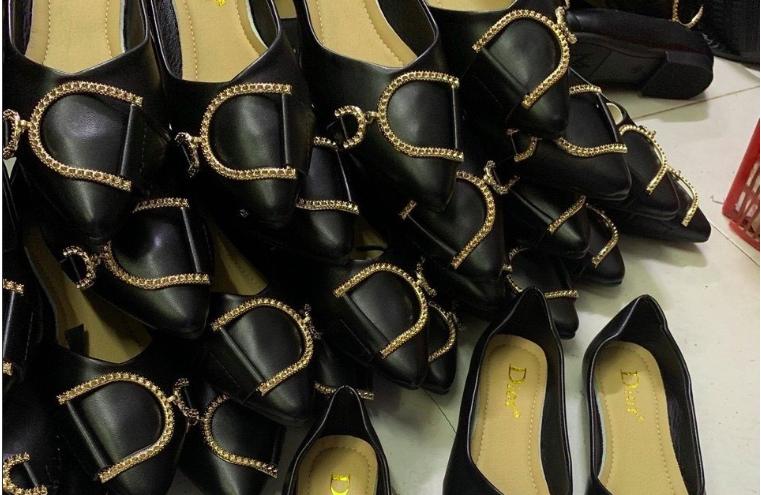 Mẫu sỉ giày dép được ưa chuộng nhất