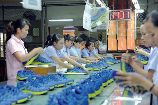 Công ty sản xuất hàng tiêu dùng Bình Tiên - Xưởng dép da nam Phương Anh