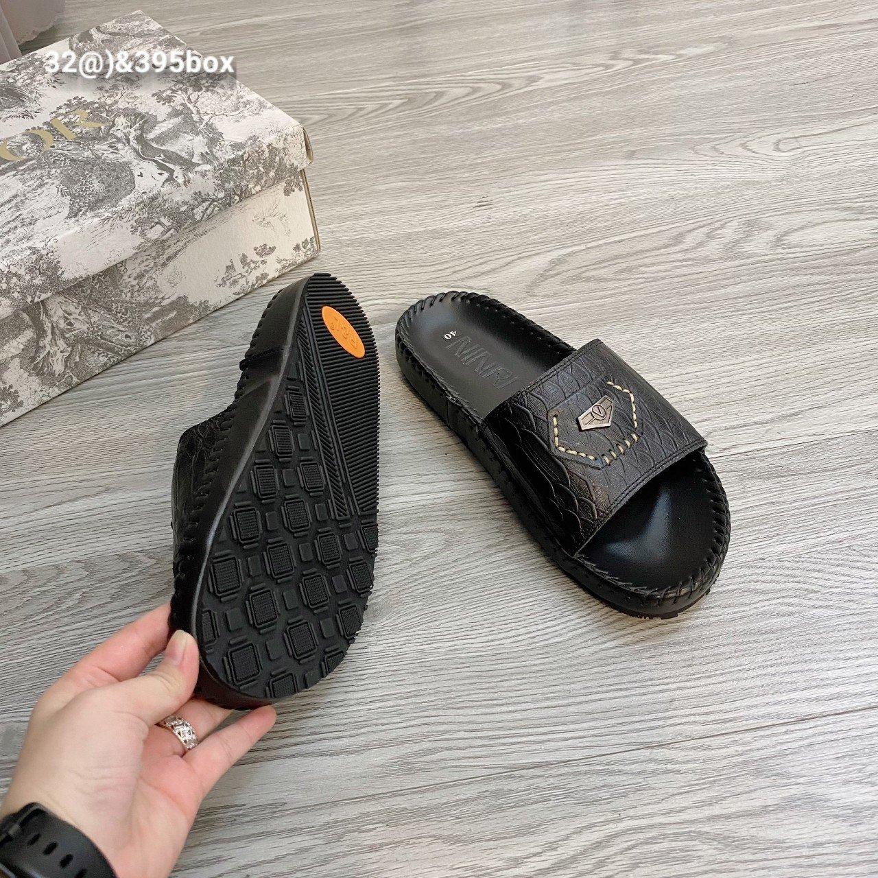 dép da nam NinRi – xưởng sản xuất dép da nam Phương Anh